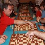 In maglia rossa: Andrea Gori, organizzatore del torneo, in azione durante il torneo di mangia e passa. Foto di Volfango Rizzi (SPQeR).