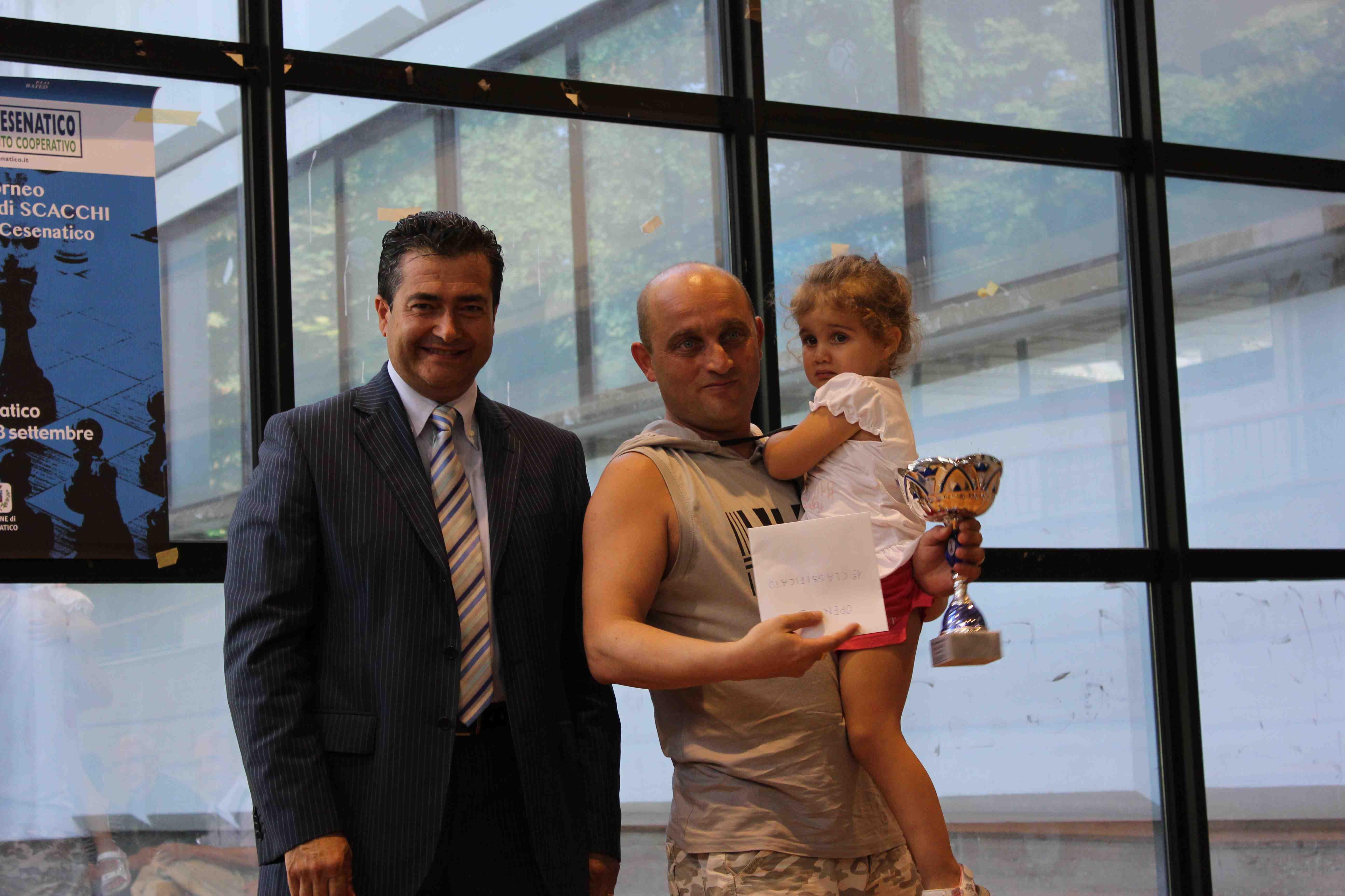 Simone Marangoni, vincitore dell'Open B, premiato. Foto SPQeR.