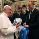 PapaFrancesco_SergioParisse