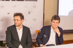 Levon Aronian e Magnus Carlsen. Foto di Maria Emelianova.