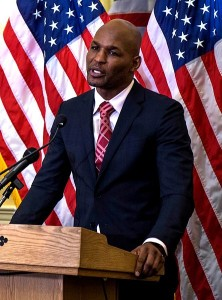 444px-Bernard_Hopkins_making_a_speech_at_the_United_States_Capitol,_Feb._2014