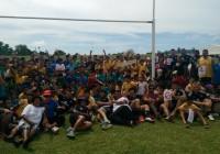 Gli Azzurri al termine del Captain's Run con i bambini di Special Olympics Samoa.