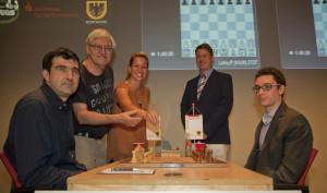 Kramnik-Caruana con Jenny Schnitter e Dagobert Kohlmeyer.