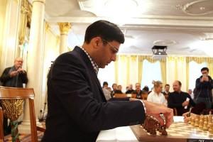 Anand si prepara al V turno.