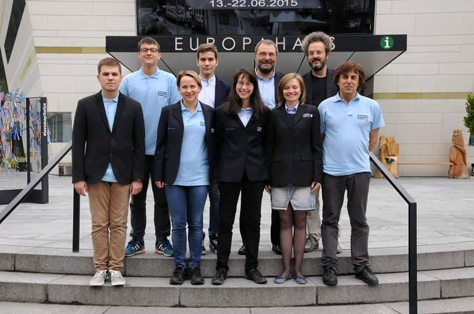 Gli atleti FSI, col capitano, alla Mitropa Cup 2015.