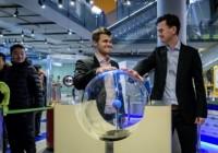 I giocatori presso il Nemo Science Center di Amsterdam nel giorno del V turno.