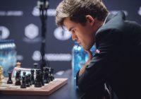 Carlsen impegnato negli spareggi rapidi.