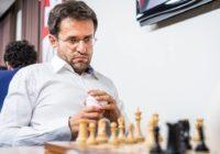 Levon Aronian difende il primato a suon di vittorie.
