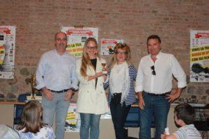 Maria Korchagina premiata dai rappresentanti dei Comuni di: Godisco Salice Terme, Voghera e Rivanazzano Terme.