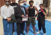 Il Sindaco Leoluca Orlando e l'Assessore Paolo Petralia Camassa con i rappresentanti del chessboxing nazionale e siciliano.